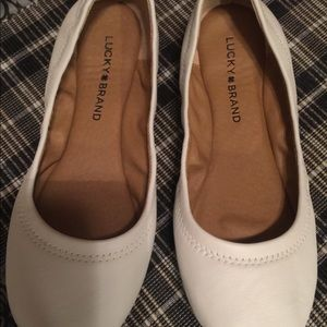 LUCKY BRAND WHT LEATHER BALLET FLATS 7M BRAND NEW
